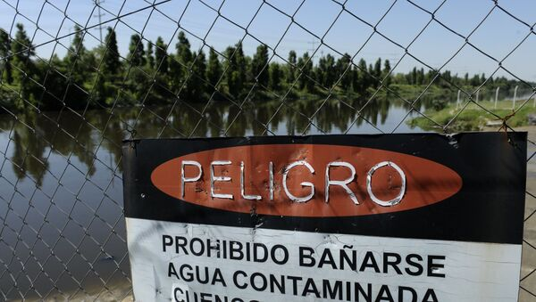 Aguas contaminadas en Argentina - Sputnik Mundo