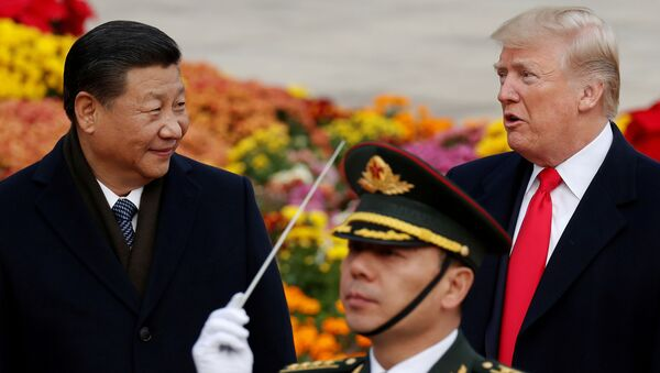 Xi Jinping, presidente de China junto a Donald Trump, presidente de EEUU - Sputnik Mundo