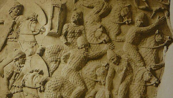 Los sármatas en un bajorrelieve de la Columna de Trajano - Sputnik Mundo