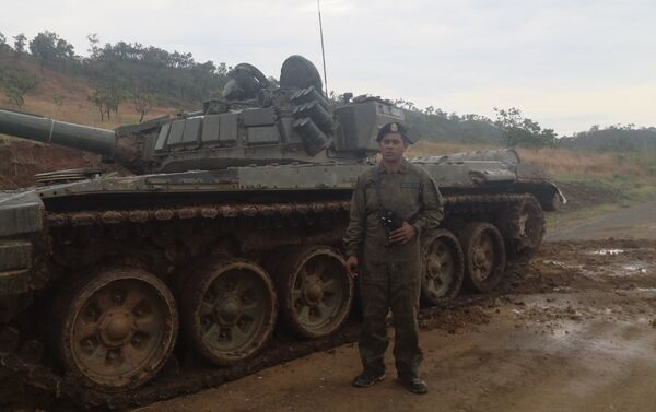 Sargento Primero, Camperos Duque, Batallón 413 G/D Pedro León Torres - Sputnik Mundo