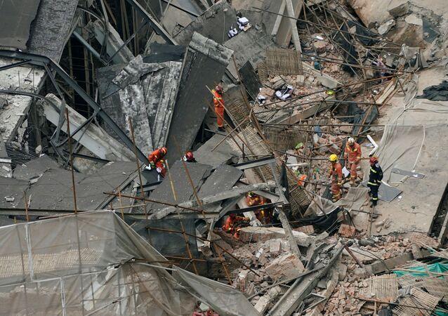 El colapso de un edificio en Shanghái