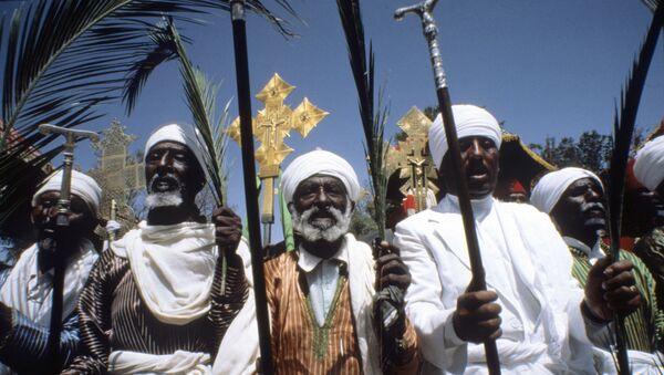 Unos curas cristianos en Etiopía - Sputnik Mundo
