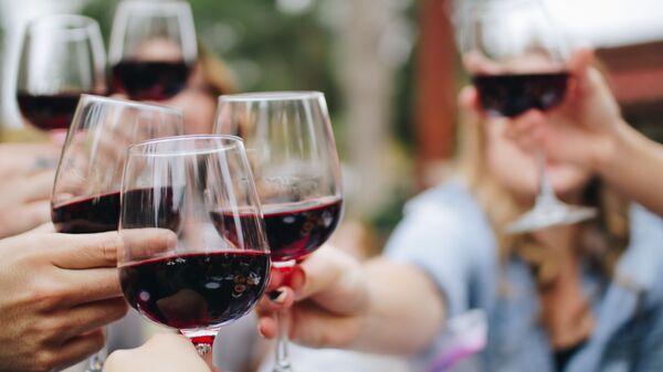 Copas de vino (imagen referencial) - Sputnik Mundo