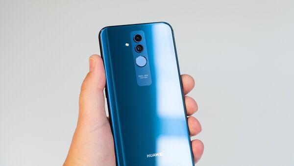 Un smartphone Huawei Mate 20, foto de archivo - Sputnik Mundo