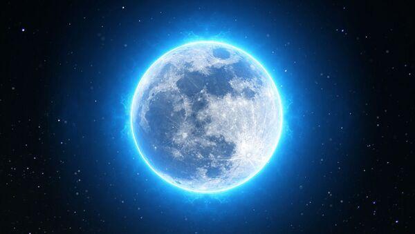 Una luna azul, referencial - Sputnik Mundo