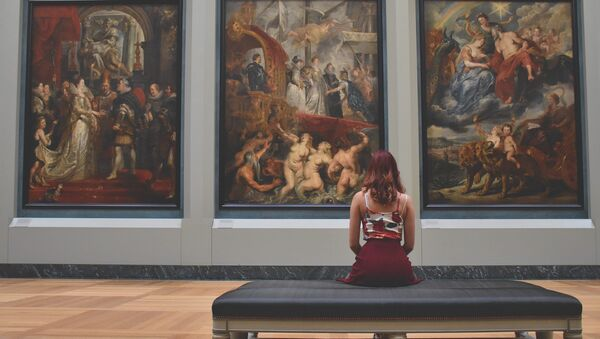 Museo del Louvre en París (Francia) - Sputnik Mundo