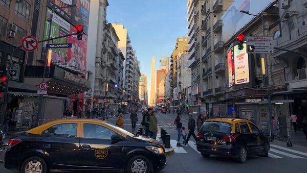 El Obelisco de Buenos Aires es uno de los hitos que engalanan a la avenida Corrientes - Sputnik Mundo