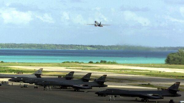 Bombarderos Lancer B-1B en la base Diego García, ubicada en el archipiélago de Chagos - Sputnik Mundo
