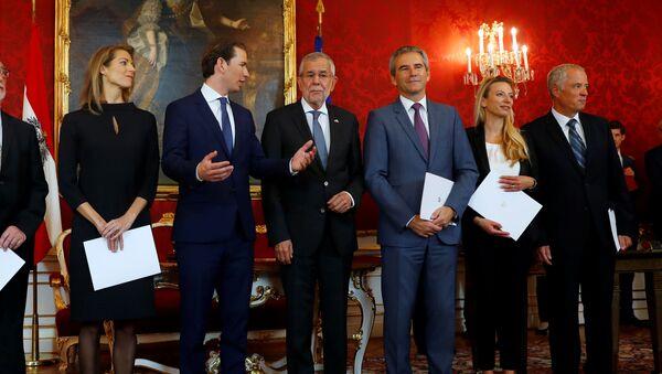 Ceremonia de juramento del Gobierno de transición en Austria  - Sputnik Mundo