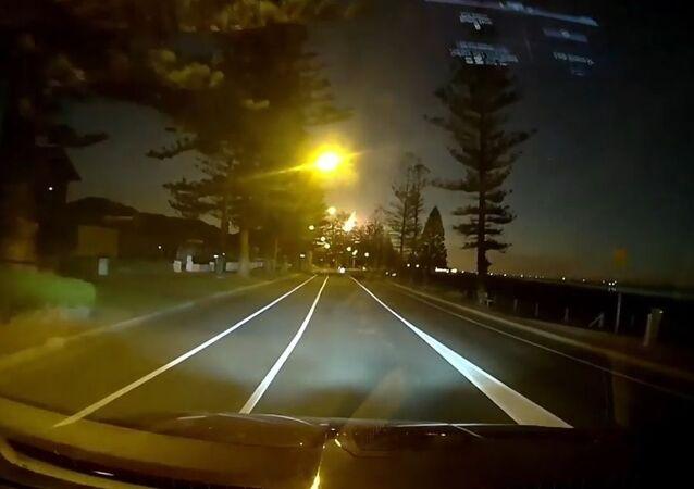 Una impactante 'bola de fuego' ilumina el cielo de Australia