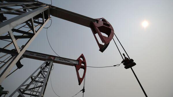 Extracción de petróleo (archivo) - Sputnik Mundo