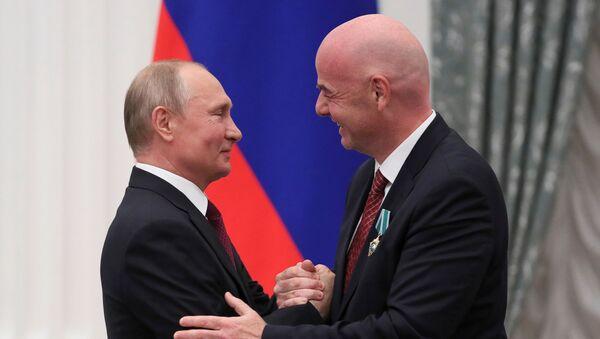 El presidente ruso, Vladímir Putin, y el presidente de la FIFA, Gianni Infantino - Sputnik Mundo