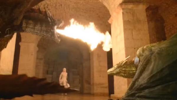 Los dragones de Daenerys Targaryen destruyen la capital de los Siete Reinos, Desembarco del Rey - Sputnik Mundo