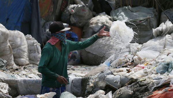 Recogida de basura en Filipinas (archivo) - Sputnik Mundo