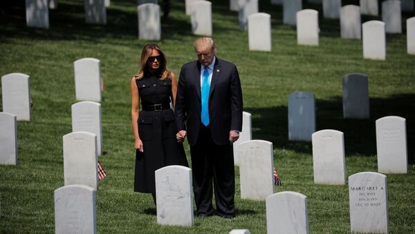 El presidente de EEUU, Donald Trump, y la primera dama, Melania Trump - Sputnik Mundo