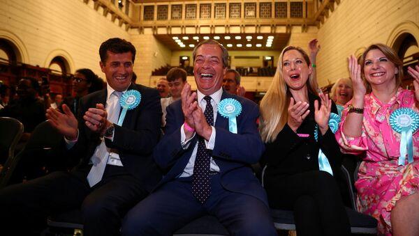 Nigel Farage, líder del Partido Brexit - Sputnik Mundo
