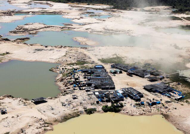 El campo minero en Perú
