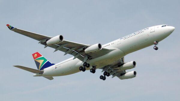 Un Airbus A340 de South African Airways - Sputnik Mundo