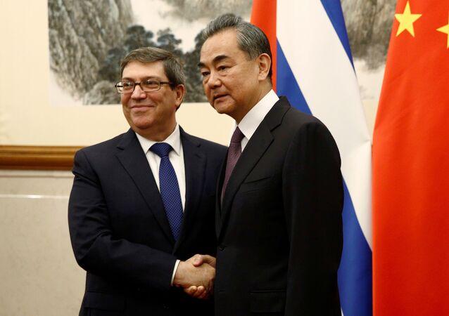Los ministros de Exteriores de Cuba y China, Bruno Rodríguez Parrilla y Wang Yi