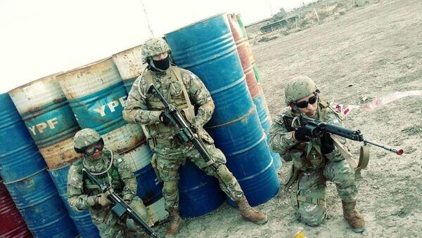 Efectivos del Ejército Argentino durante un ejercicio militar - Sputnik Mundo