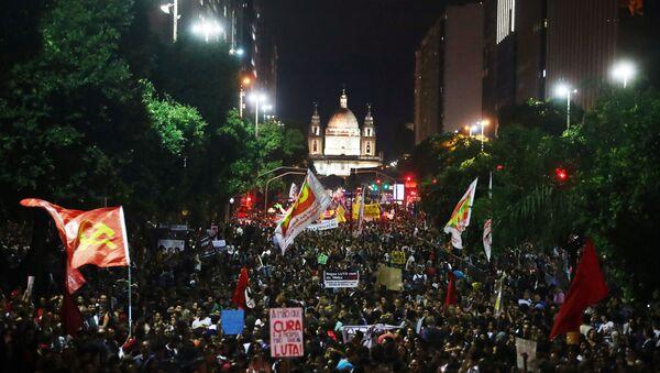 Protestas en Brasil contra recortes a universidades (archivo) - Sputnik Mundo