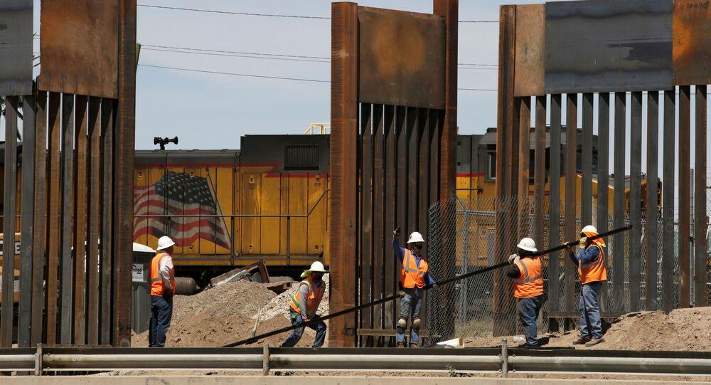 La construcción del muro fronterizo entre EEUU y México