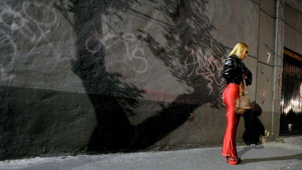 Una trabajadora sexual en las calles de la Ciudad de México - Sputnik Mundo