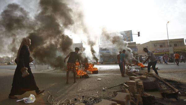Protestas en Jartum, Sudán - Sputnik Mundo
