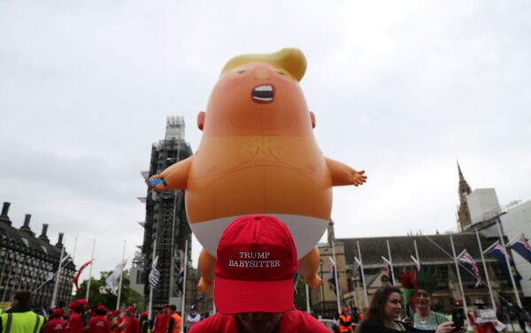 Protestas contra el presidente de EEUU, Donald Trump en Londres, Reino Unido - Sputnik Mundo