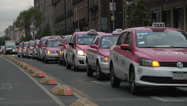 México, paralizado por una huelga de taxis contra aplicaciones como Uber - Sputnik Mundo
