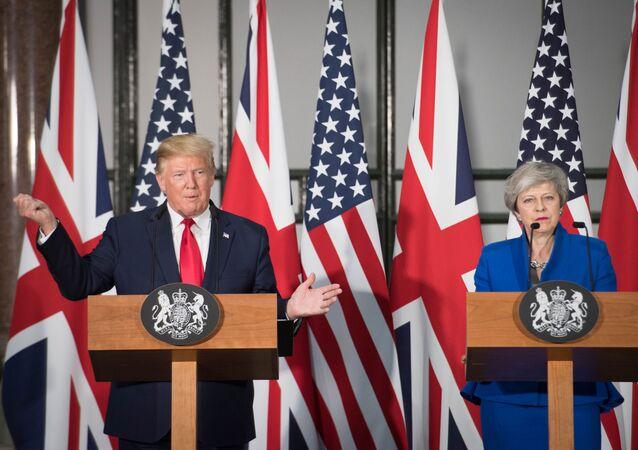 El presidente de Estados Unidos, Donald Trump, y la primera ministra británica, Theresa May