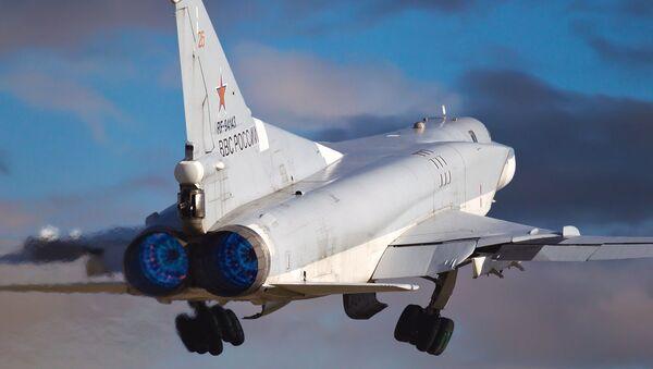 Un Tu-22M3 - Sputnik Mundo