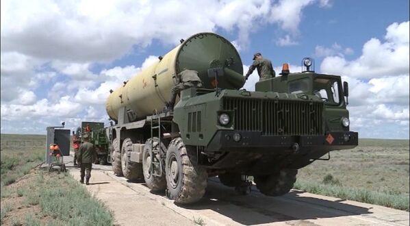 Rusia pone a prueba su nuevo sistema antimisil   - Sputnik Mundo