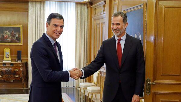 Presidente del Gobierno español, Pedro Sánchez, y el rey de España, Felipe VI - Sputnik Mundo