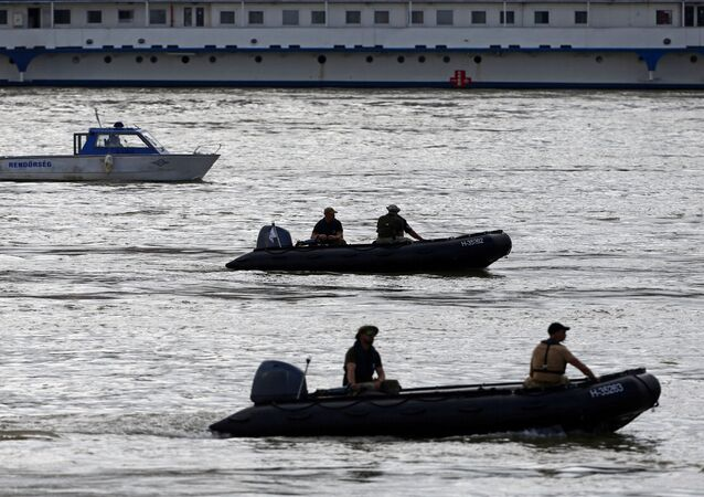 La búsqueda de las víctimas tras naufragio en Budapest