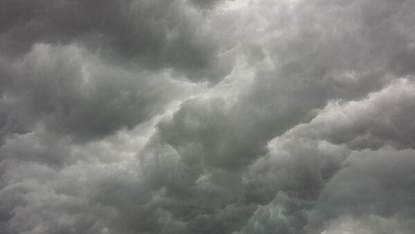 Nubes (imagen referencial) - Sputnik Mundo
