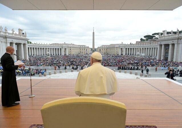 El papa Francisco durante una misa en la Plaza San Pedro de Ciudad del Vaticano
