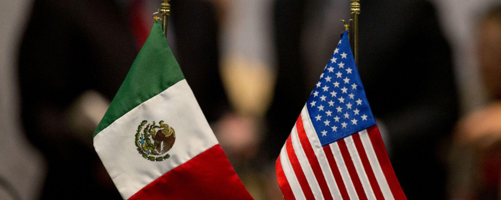 Banderas de México y EEUU - Sputnik Mundo, 1920, 15.12.2020