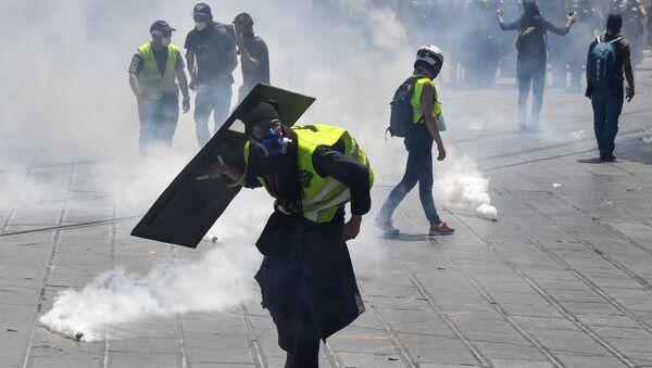 Protestas de los 'chalecos amarillos' en Francia - Sputnik Mundo
