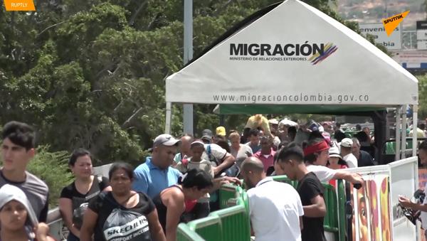 La Policía colombiana bloquea los cruces ilegales de ríos en la frontera con Venezuela - Sputnik Mundo