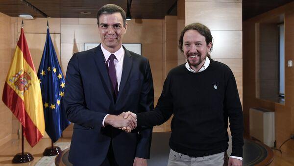 Los líderes del PSOE, Pedro Sánchez, y de Podemos, Pablo Iglesias - Sputnik Mundo