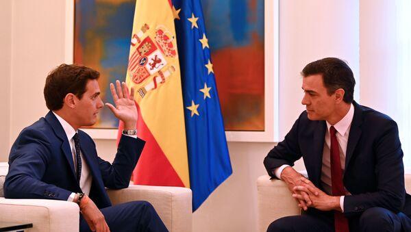 El líder de Ciudadanos, Albert Rivera, y líder del PSOE, Pedro Sánchez - Sputnik Mundo