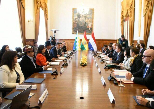 Negociaciones entre representates de Bolivia y Paraguay