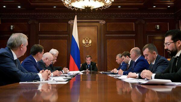 Dmitri Medvédev, primer ministro ruso, en una reunión sobre el desarrollo de la corporación espacial rusa Roscosmos - Sputnik Mundo