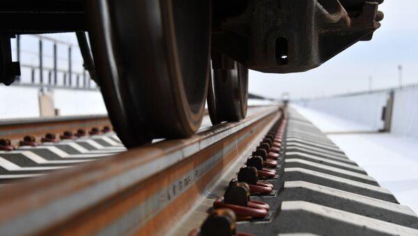 Vía férrea del puente de Crimea - Sputnik Mundo