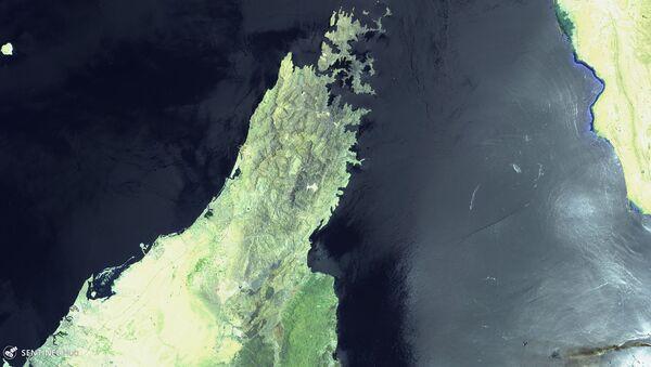 El golfo de Omán el día de los ataques contra dos petroleros el 13 de junio - Sputnik Mundo
