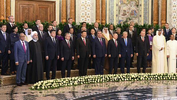 Los líderes de los países que participan en la Conferencia de Interacción y Medidas de Confianza en Asia (CICA) - Sputnik Mundo