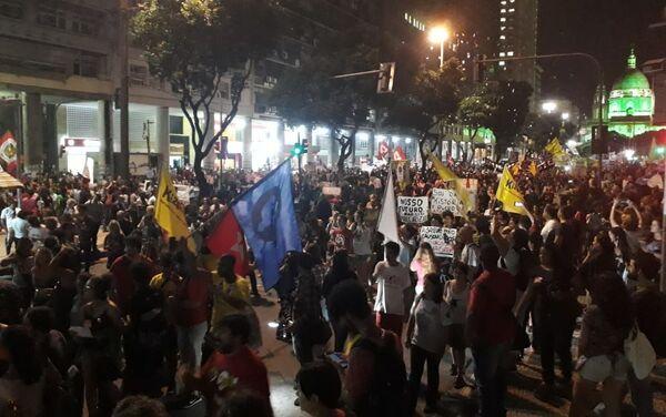 Protestas contra Jair Bolsonaro en Río de Janeiro - Sputnik Mundo