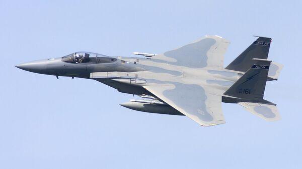 Caza estadounidense F-15C  - Sputnik Mundo