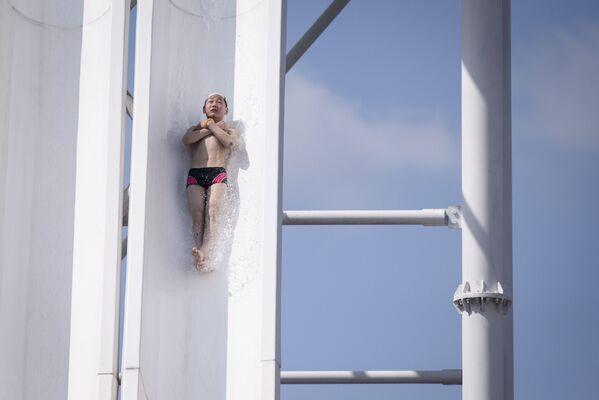 Helado y atracciones acuáticas: así se vive la ola de calor en Pyongyang  - Sputnik Mundo